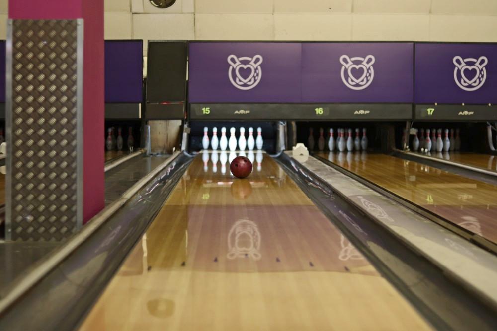 leeds-bowling